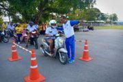โครงการขนส่งสัญจร สอนน้องขับขี่รถจักรยานยนต์อย่างถูกต้องปลอดภัย (สขจ.กาญจนบุรี)